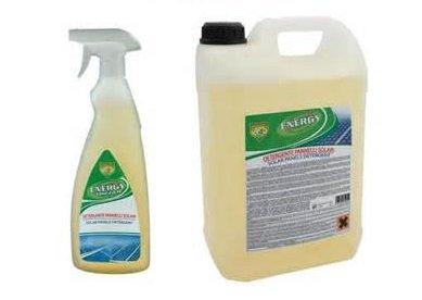 Detergente específico para paneles fotovoltaicos y solares térmicos.