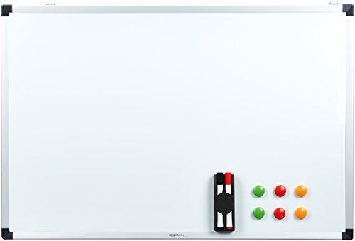 AmazonBasics Tableau blanc magnétique avec cadre en aluminium et porte-marqueurs Effaçable à sec, 90 x 60 cm