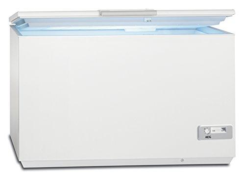 AEG AHB93331LW Gefriertruhe / sparsame Kühltruhe der Klasse A+++ (150 kWh/Jahr) / großer Tiefkühler mit 327 Liter Gefrierfach / LowFrost & Temperaturalarm / leicht zu öffnen & Innenbeleuchtung / weiß Fach Für Gefriertruhe