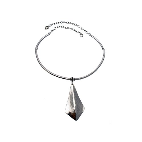 collier-en-metal-argente-thales