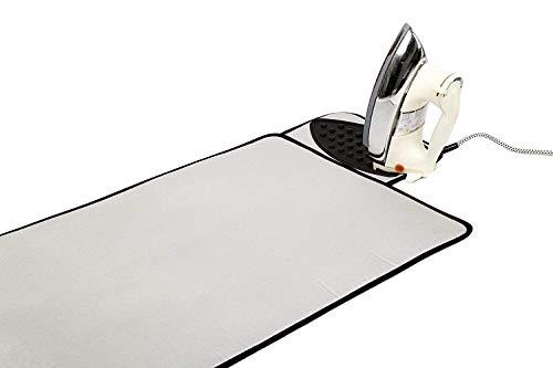 Tapis de repassage Encasa Homes Silver avec petit tapis en silicone pour poser le fer, surface spéciale résistante à la chaleur et matelassage épais en mousse