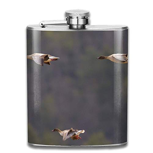 Wdskbg Animal Goose Birds Flight Pink Footed Stainless Steel Hip Flask, Pocket Flagon, Camping Wine Pot, Portable Liquor Flagon Retro Pocket Flask for Men and Women Gift Footed Pot
