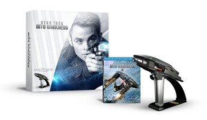 star-trek-into-darkness-starfleet-phaser-limited-edition-gift-set-blu-ray-3d-combo-pack