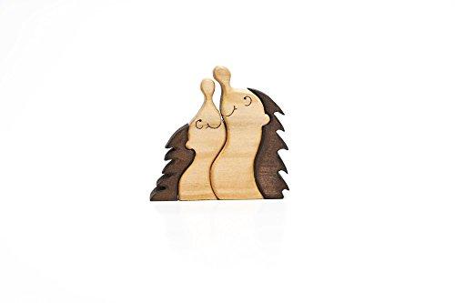 Holzdeko Herbstdekoration aus Holz Schreibtischfigur Handarbeit Holzkunst Igel Kurt + Conny -