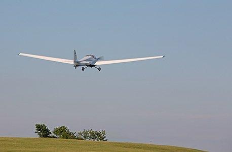 Geschenkgutschein: Motor-Segelfliegen (30 Min.)