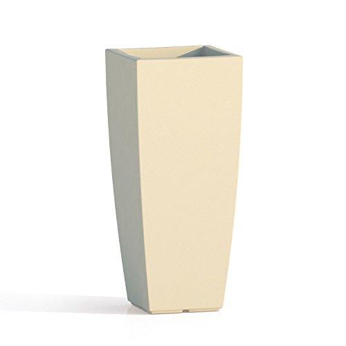 Vaso quadro 'stilo' in polietilene colorato. dal design elegante in puro stile moderno, È un ottimo complemento d'arredo e si abbina a molteplici ambienti nei quali viene collocato.