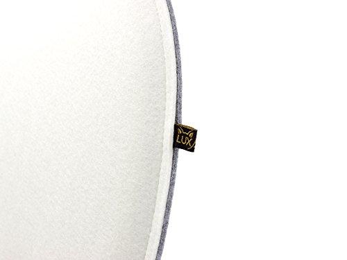 Ovale Filz Sitzkissen in 2 unterschiedlichen Farben/Seiten, klassisch und edel zugleich, waschbare Stuhlauflage mit Füllung. Moderne Sitzauflage u.a. für Designer Stühle z.B. Side Chair Eames oder Fanbyn. Farbe cremeweiß/graumeliert