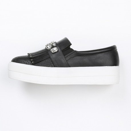 Ideal Shoes - Slip-on à scratch strassé avec partie imprimé reptile et franges Tracy Noir