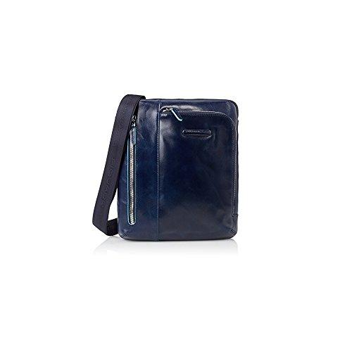 Borsello blu PIQUADRO CA1816B2 porta iPad/iPad Air doppia tasca frontale per lettore mp3 passante auricolari Blue Square 21,5x24,5x5cm borsello uomo tracolla regolabile PERSONALIZZABILE CON INCISIONE