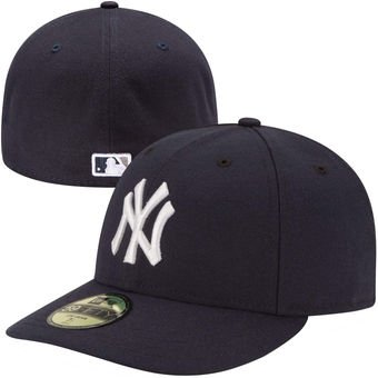 New Era Herren Caps / Fitted Cap Authentic Performance Low Crown NY Yankees blau 7 1/4 - 57,7cm