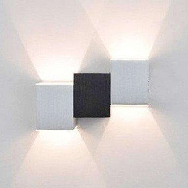 2W Moderne LED-Wandleuchte mit schwarzem Weiß kubisch Up Down Ray of Light von Licht 518 auf Lampenhans.de