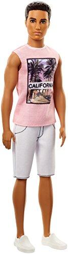 Barbie FJF75 Ken Fashionistas Puppe in Rosa Shirt und Weißen Shorts