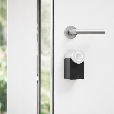 Nuki Combo (Smart Lock und Bridge) - Elektronisches Türschloss - Automatischer Türöffner mit Bluetooth, WLAN, mit Amazon Alexa