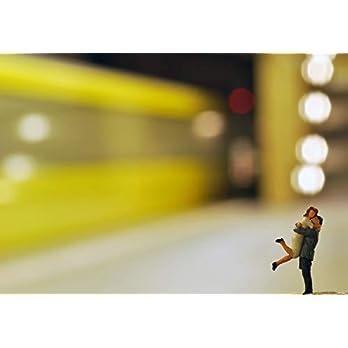 Schöne romantische Postkarte – UBahn in Berlin Wiedersehen Mann und Frau Liebespaar