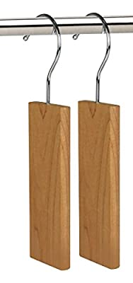 Hangerworld Wood Moth Repellent Hanging Cedar Blocks for Wardrobe/Locker/Car and Cloakroom, Pack of 6, Natural - inexpensive UK wordrobe shop.