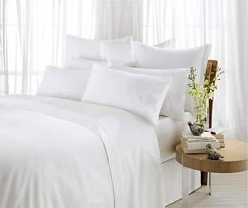 100% Egyptian Cotton Duvet Cover Set in White - 400 thread count - Double by Luxury Linens & Bedding produced by Luxury Linens & Bedding - quick delivery from UK.