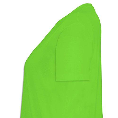 Shirtracer Geburtstag - Echte Kerle Werden IM September Geboren - Lockeres Damen-Shirt in Großen Größen mit Rundhalsausschnitt Hellgrün