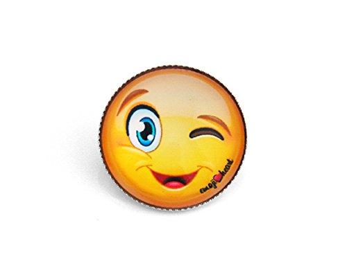Emoji-Anstecker-Button von EmojiHeart – cooler Sticker-Schmuck-Pin aus echtem Glas ein echter Hingucker – Glas mit tollem 3D Effekt Emoji-Smiley (Winking Face)