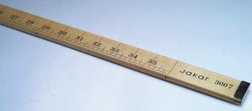 laminated-metre-ruler-yard-stick-with-mm-cm-marking-on-one-side-and-inch-marking-on-the-reverse-side