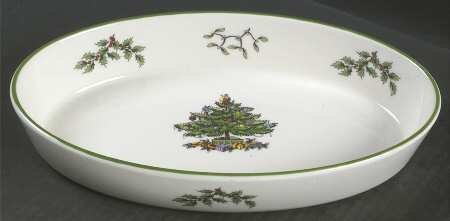 Spode Christmas Tree - Green Trim 10.25 Oval Baker by Spode Spode China Christmas Tree