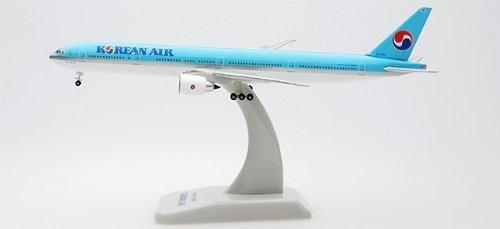 hogan-korean-air-777-300er-1-500-by-daron-worldwide