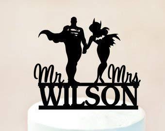 Personalisierte Hochzeitstorte Topper Superman und Batgirl Mr and Mrs mit Nachnamen Hochzeit Geschenk Ideen, Jahrestag Party Dekorationen