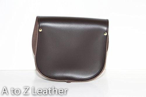 Vera pelle Saddle Croce borsa corpo con fibbia di chiusura e tracolla regolabile. Disponibile in vari colori. Marrone scuro