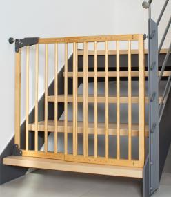 reer 46221 t r und treppengitter holz baby. Black Bedroom Furniture Sets. Home Design Ideas
