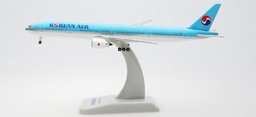 hogan-korean-air-777-300er-1-500-by-hogan-500-scale-die-cast