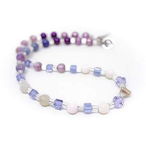 Designer Kette im Farbverlauf mit weißer Jade, schimmernden Super Polaris Perlen und einer Dreieck Silber Perle in…