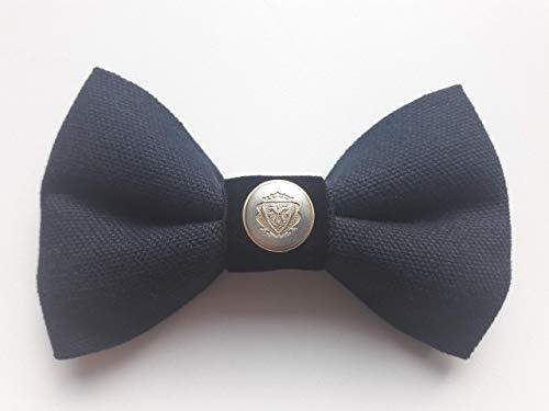 Herrenfliege aus weichem angenehmen Marine Blauem festeren Stoff - Knopf aus Metall in Silber und Gold mit Applikation -