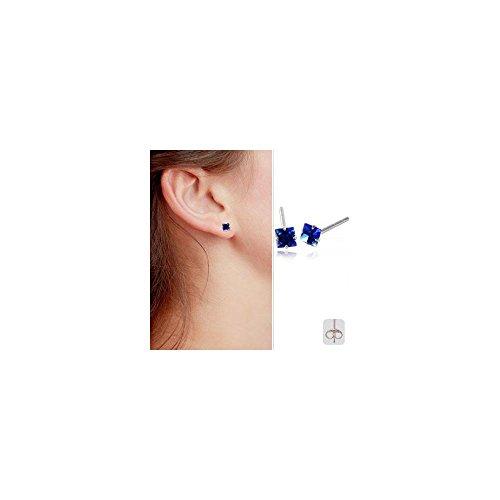 Clous d'oreille acier cristal Carré 4mm griffé Onyx