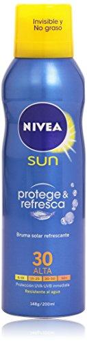 NIVEA SUN Protege & Refresca Spray Bruma Solar FP30 (1 x 200 ml), protector solar en spray transparente, refrescante y resistente al agua