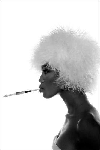 Poster 100 x 150 cm: Naomi Campbell mit weißer Perücke von Celebrity Collection - hochwertiger Kunstdruck, neues ()