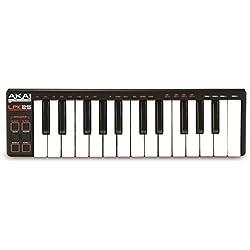 AKAI Professional LPK25 - Clavier Maître MIDI Ultra Compact avec 25 Touches Sensibles à la Vélocité d'Action Synthé, Alimenté par Un Câble USB, pour MAC et PC, avec Logiciel d'Édition Inclus