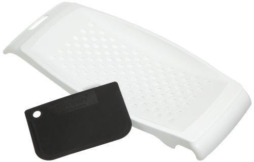 Fackelmann Spätzlereibe mit Teigschaber,Spätzlehobel aus Kunststoff, Spätzlepresse mit Teigkarte - spülmaschinengeeignet (Farbe: weiß), Menge: 1 Stück