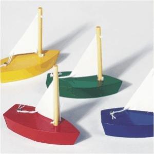 4 petits voiliers, en bois | jouets en bois pour les enfants sur 3 ans