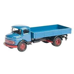 Schuco 452173000 - Camioneta Mercedes Benz L 311 en Color Azul a Escala 1:87, Modelo coleccionista