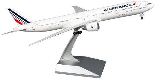 skymarks-skr653-air-france-boeing-777-300er-1200-with-gear-snap-fit-model