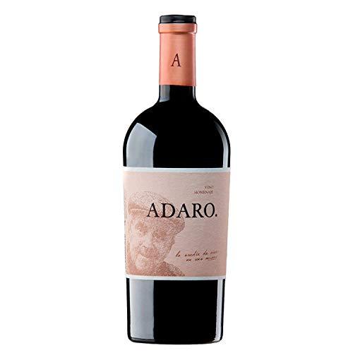 """Este vino toma uno de los apellidos del propietario de Pradorey, Javier Cremades de Adaro, y encarna los valores que han promovido su proyecto enológico. En sus propias palabras, estos son los de cualquier viticultor: """"el riesgo, la espera,el mimo, ..."""