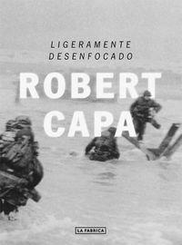 Segunda edición de todo un clásico en el que descubrimos del puño y letra del mítico fotógrafo norteamericano Robert Capa, la virulencia de la segunda guerra mundial y su papel protagonista como fotógrafo y superviviente.