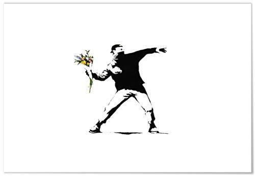 Panorama® Poster Graffiti Banksy Druck Flower Thrower 21 x 30 cm | Gedruckt auf qualitativ hochwertigem Poster | Banksy Poster | Bilder Schlafzimmer | Dekoration Zuhause | Poster Wohnzimmer -