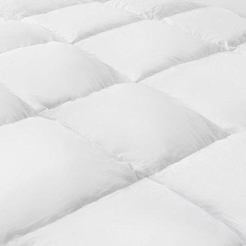 Serena Bettdecke – Mister Sandman - waschbare Daunen Decke, aktmungsaktiv, Decke für Sommer und Winter Steppdecke, Ganzjahresdecke, Öko-tex, made in Germany (Sommerdecke, 135 x 200 cm)
