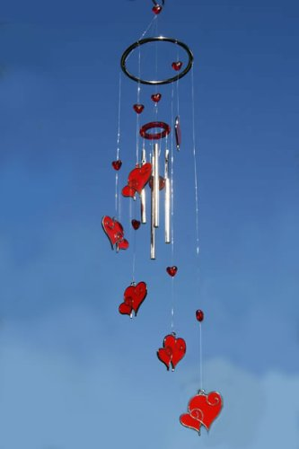 hanging-red-hearts-wind-chime
