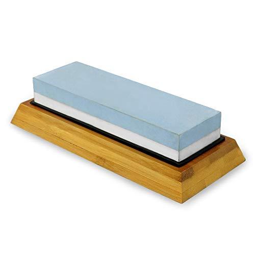 SueH Design 2-in-1 Wasserschleifstein Set | 4000/8000 Körnung Messerschärfer | Ideal für Küchenmesser, Scheren, Taschenmesser | Rutschfester Bambussockel, Abrichtstein und Gebrauchsanweisung inkl.