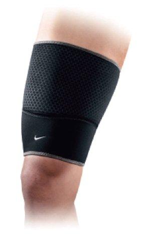 Nike - Thigh Sleeve Oberschenkelbandage (schwarz) - S