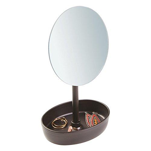 mDesign Espejo de maquillaje giratorio – Espejo redondo con bandeja para joyas o gomas de pelo – Espejo con pie para el baño o el tocador – Color: bronce