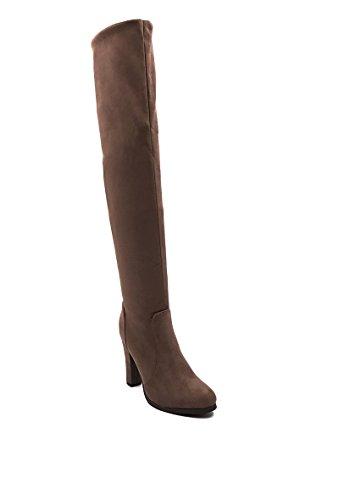 CHIC NANA . Chaussure femme cuissarde à talon en effet daim, dotée d'un bout rond. Taupe