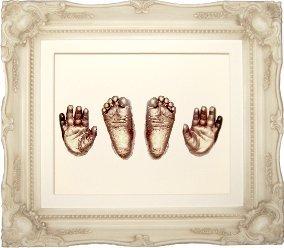 Anika-Baby Kit de moulage pour pieds et mains de bébé avec cadre vintage Shabby chic et peinture métallique Crème/bronze Taille L 29,2 x 24,1cm
