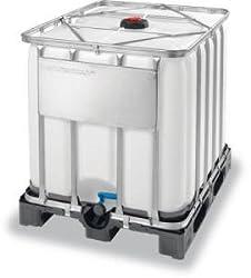 IBC Tank Container 1000l auf Kunstoffpalette